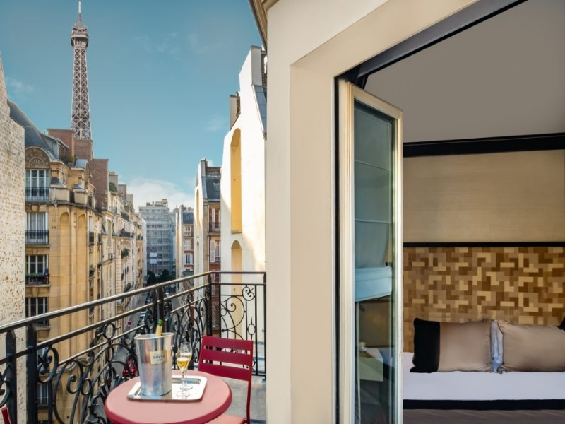 HOTEL-LE-DERBY-ALMA-EXECUTIVE-VUE-TOUR-EIFFEL